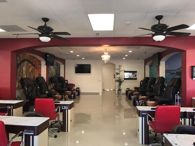 Nails Salon 92260